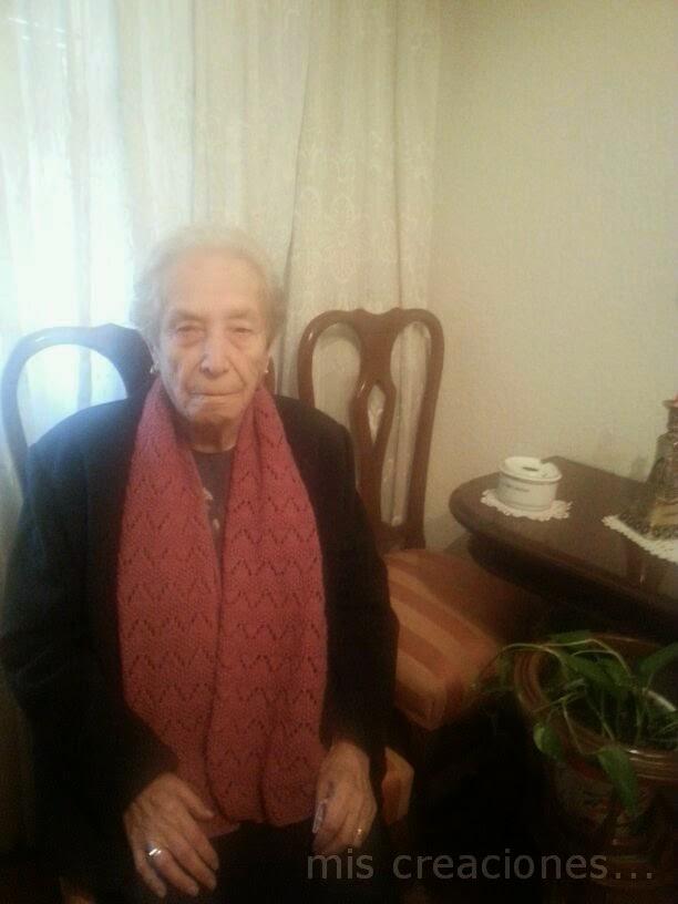 Bufanda hecha a mano para la abuela