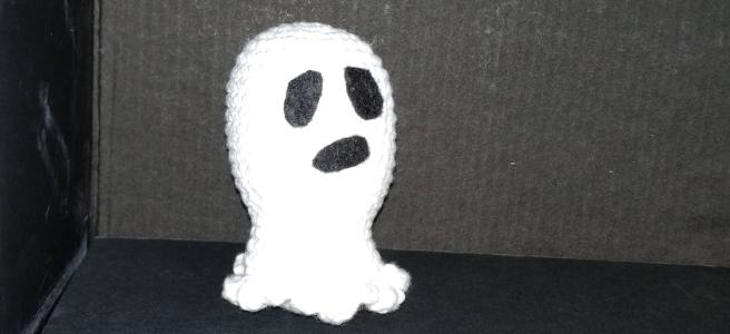 Fantasma amigurumi, patrón gratis para Halloween