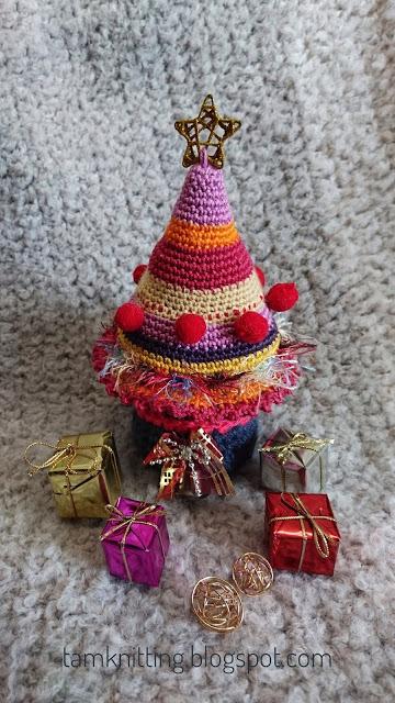 tamknitting. arbol navidad crochet amigurumi patron